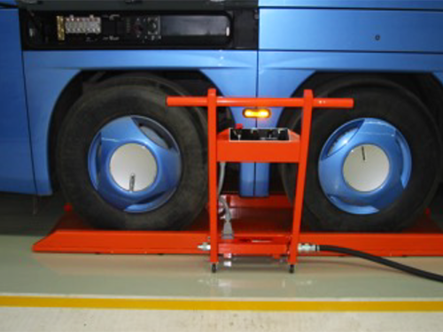 01_Fahrzeug Industrie_Omnibus Montage_Luftkissen_pic 1