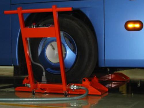 01_Fahrzeug Industrie_Omnibus Montage_Luftkissen_pic 2