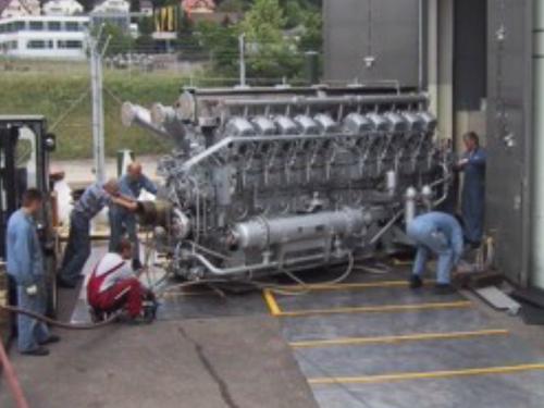 02_Projekt_Elektro Energie Industrie_12 t Dieselmotor_Luftkissen_pic 2