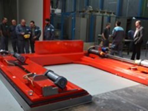 02_Projekt_Kabel Industrie_Rollentransport_AGVs_pic 1
